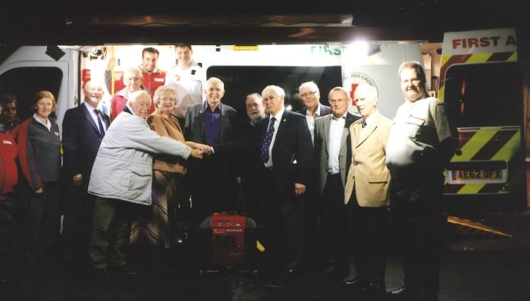 Caversham Lodge No. 3831 generously donate a much needed generator